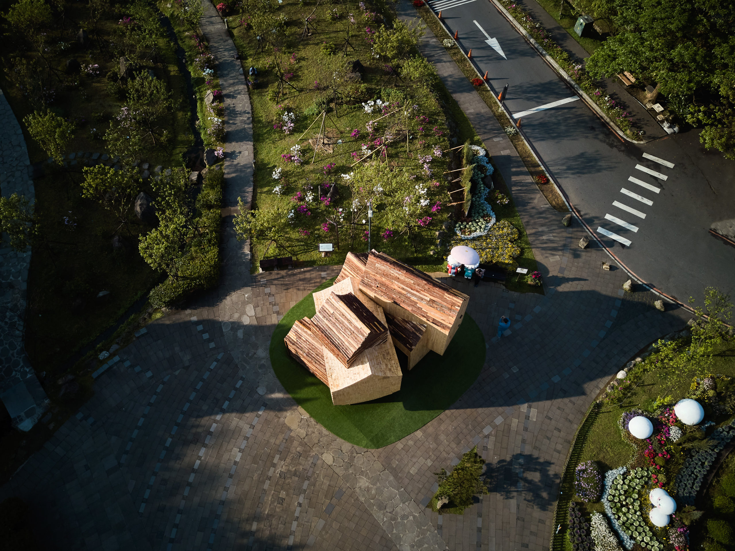 Boolean Birdhouse by Phoebe Says Wow Architects / PSW建築設計研究室
