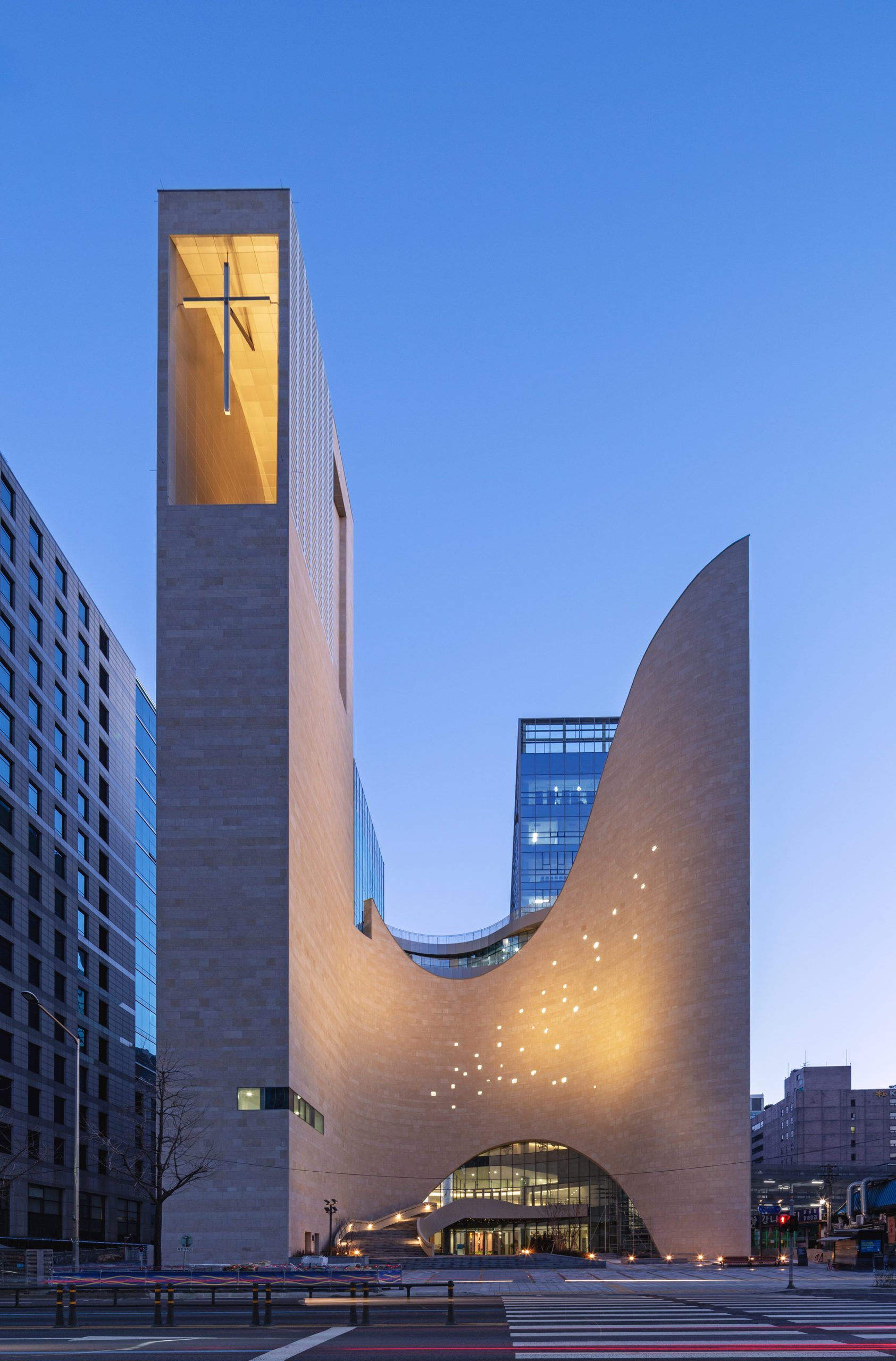 This concave roofline is a symbolic reach towards the heavens and gesture of open-armed embrace